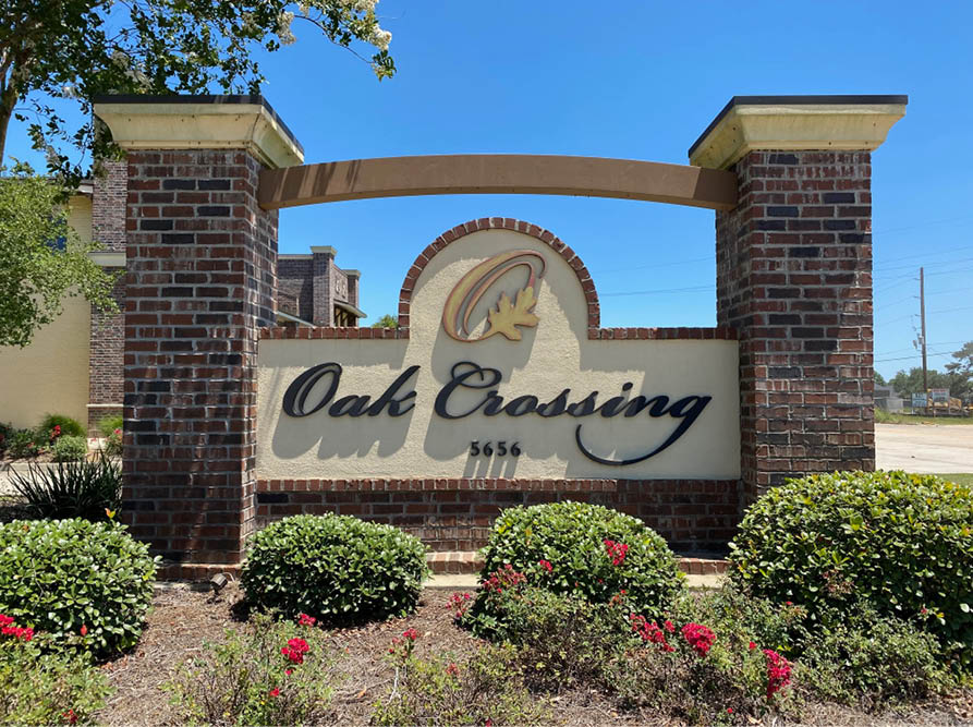 Oak Crossing Sign